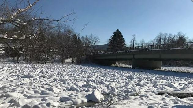 Officials are discouraging drivers from stopping to see the ice jam on the Housatonic River while on Route 7. (WFSB)