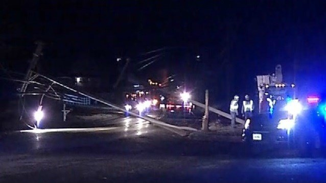Route 17 is shut down in Portland after a crash on Monday morning (WFSB)