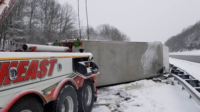 One of the several tractor trailer incidents reported on Tuesday morning. This one was along I-395 south in Montville before exit 6. (iWitness)