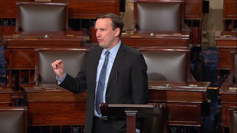 Sen. Chris Murphy took to the Senate floor to discuss the Florida shooting on Wednesday. (CBS)