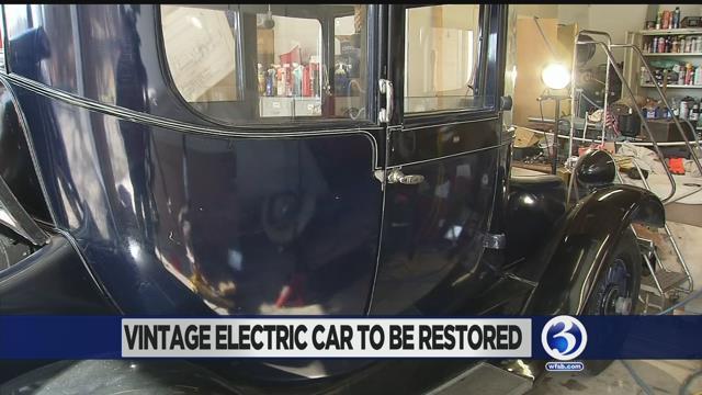 1931 Detroit Electric (WFSB)