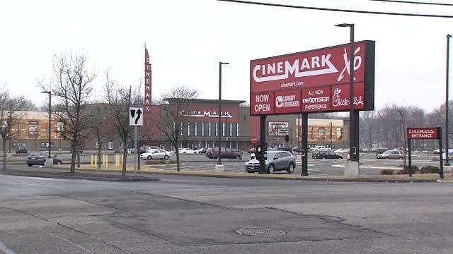 Cinemark says you can no longer bring big bags to its theaters (WFSB)