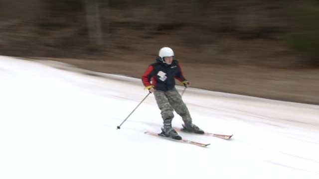 An organization helps veterans on the slopes (WFSB)