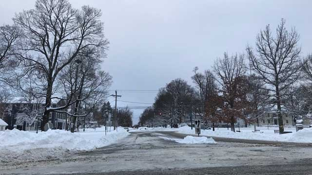 Plows worked into Thursday morning to clear the streets of Litchfield. (WFSB)