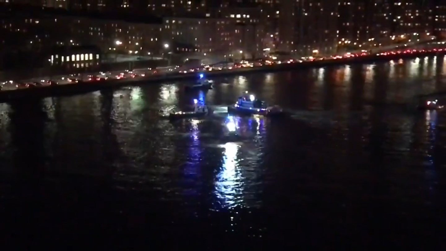 A pilot was the only person to escape a deadly helicopter crash in New York City's East River on Sunday. (CBS)