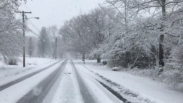 Side roads in Norwich were completely covered by 11 a.m. on Tuesday. (Lydia/iWitness)