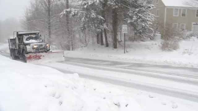 Plow truck drivers had a tough time keeping up with the fast-falling snow (WFSB)