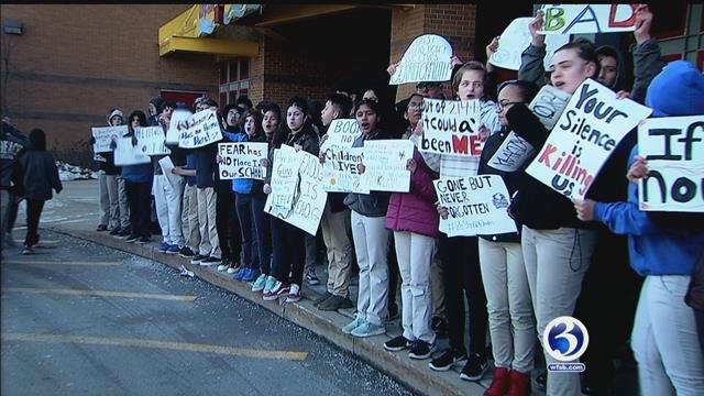 Video: Students walk out in East Hartford to protest gun violence