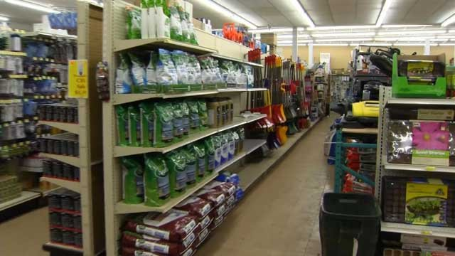 There are signs of spring at the hardware store, but winter keeps sticking around (WFSB)