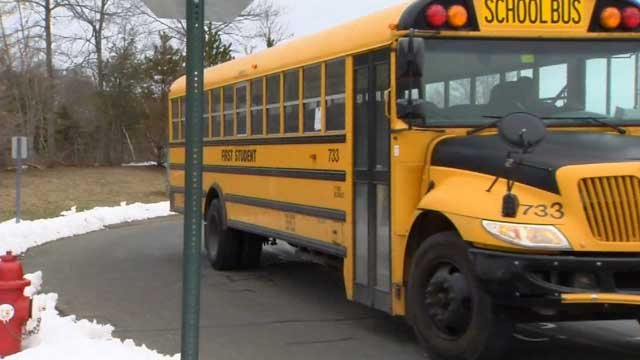 School districts dismiss early ahead of nor'easter (WFSB)