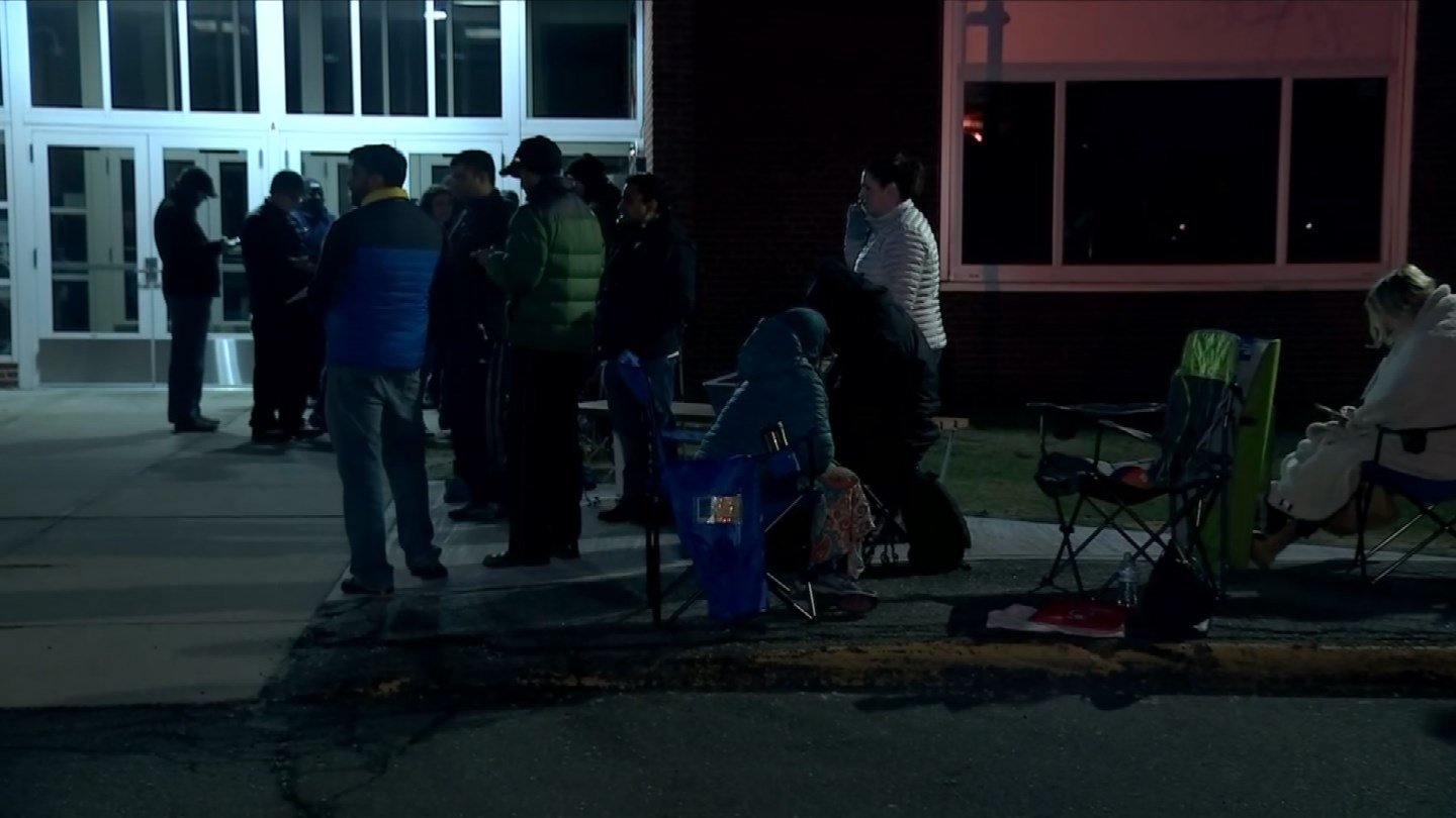 "Parents lined up early Thursday morning to get their children a spot in South Windsor's 4th ""R"" Before and After School Program. (WFSB)"