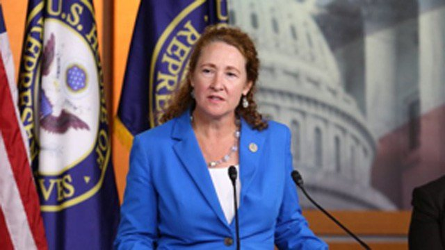 Congresswoman apologizes for alleged harassment at office