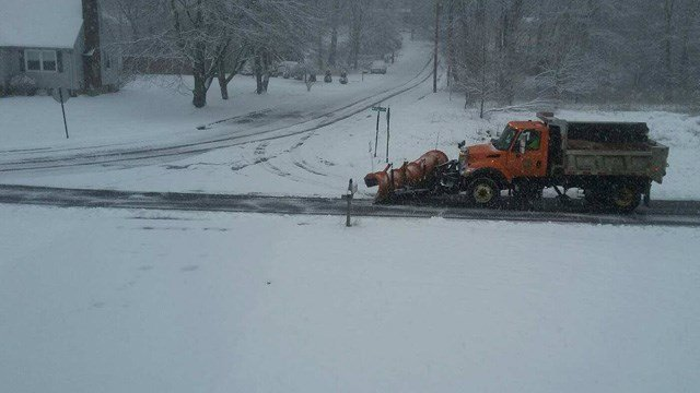 Plow crews were hard at work in Trumbull on Monday morning. (iWitness photo)