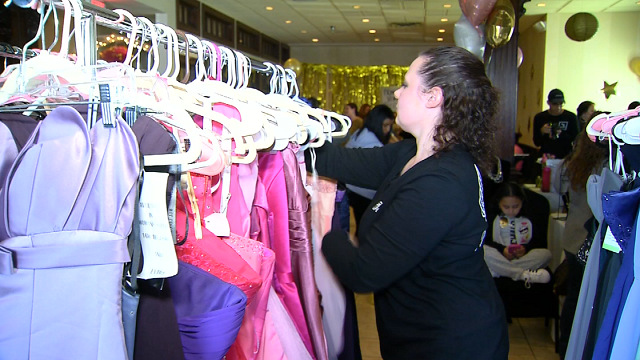 Group opens boutique in time for prom season (WFSB)