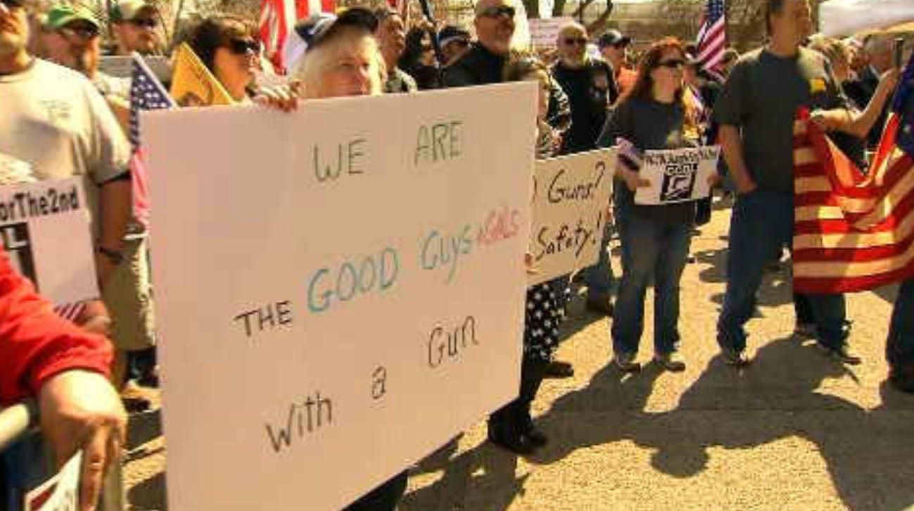 Second Amendment supports rally in Hartford. (WFSB)