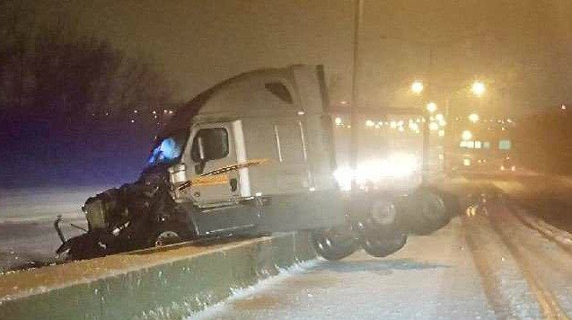 A tractor-trailer crashed Monday morning on I-91 North in Windsor (CT State Police)