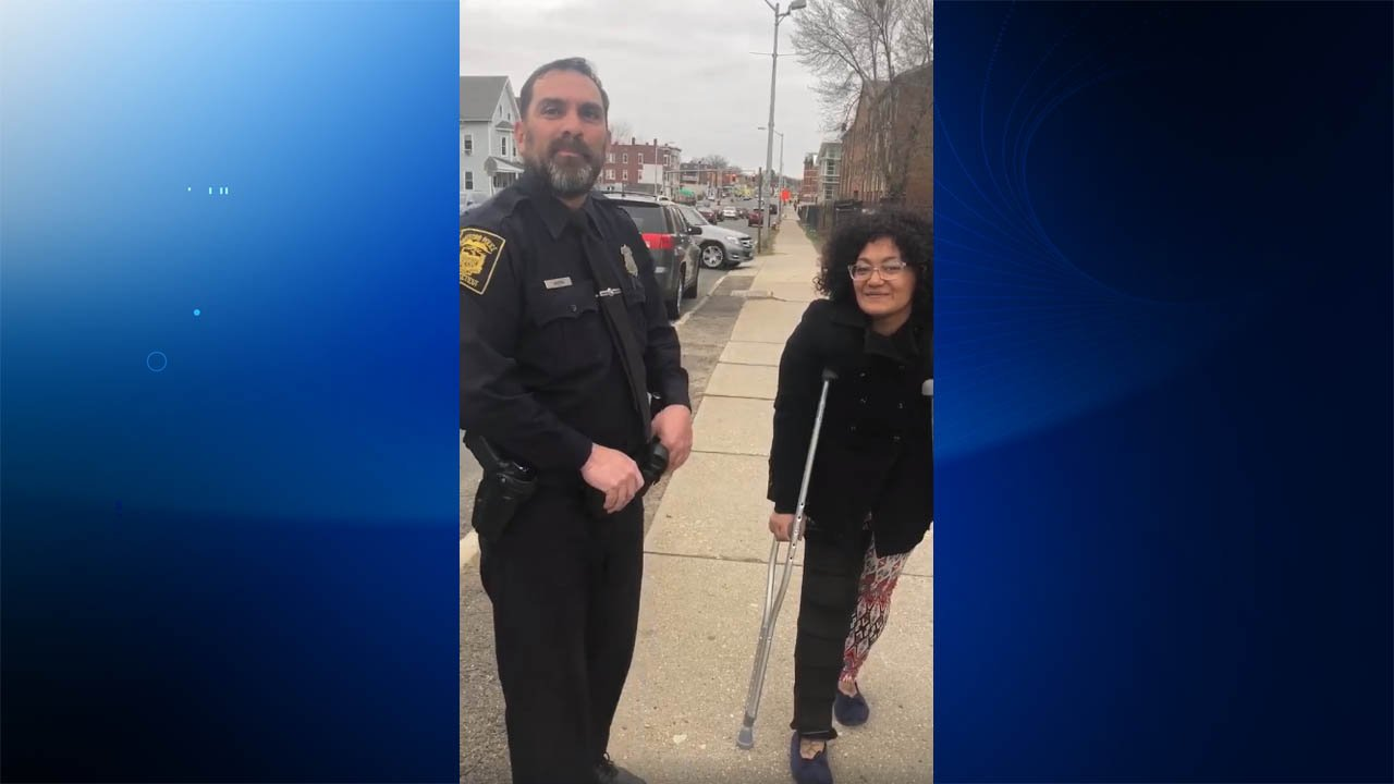 Hartford officer Dom Agostino helped Rebecca get to church on time on Sunday. (Latisha R. Wilson)
