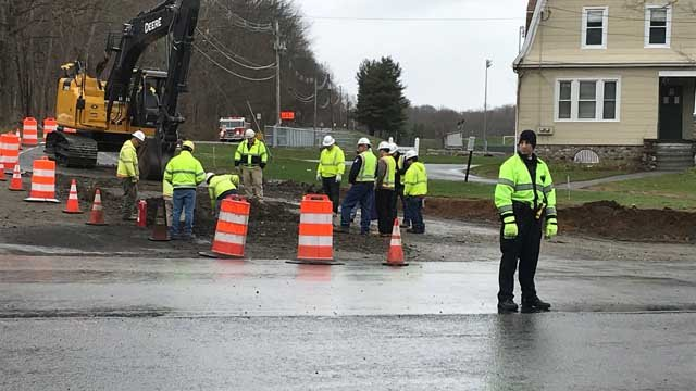 A gas leak in Southbury closed part of Route 188 on Thursday afternoon (WFSB)