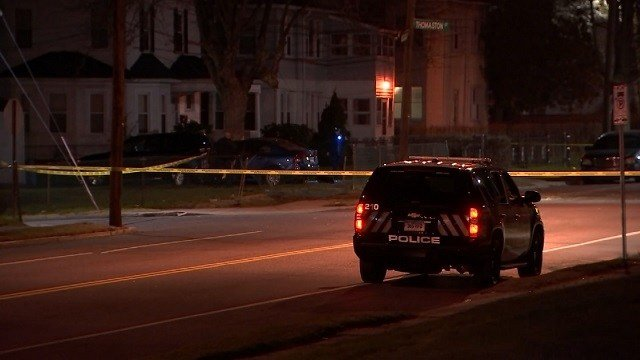 Hartford Police are investigating following a car that struck a tree (WFSB)