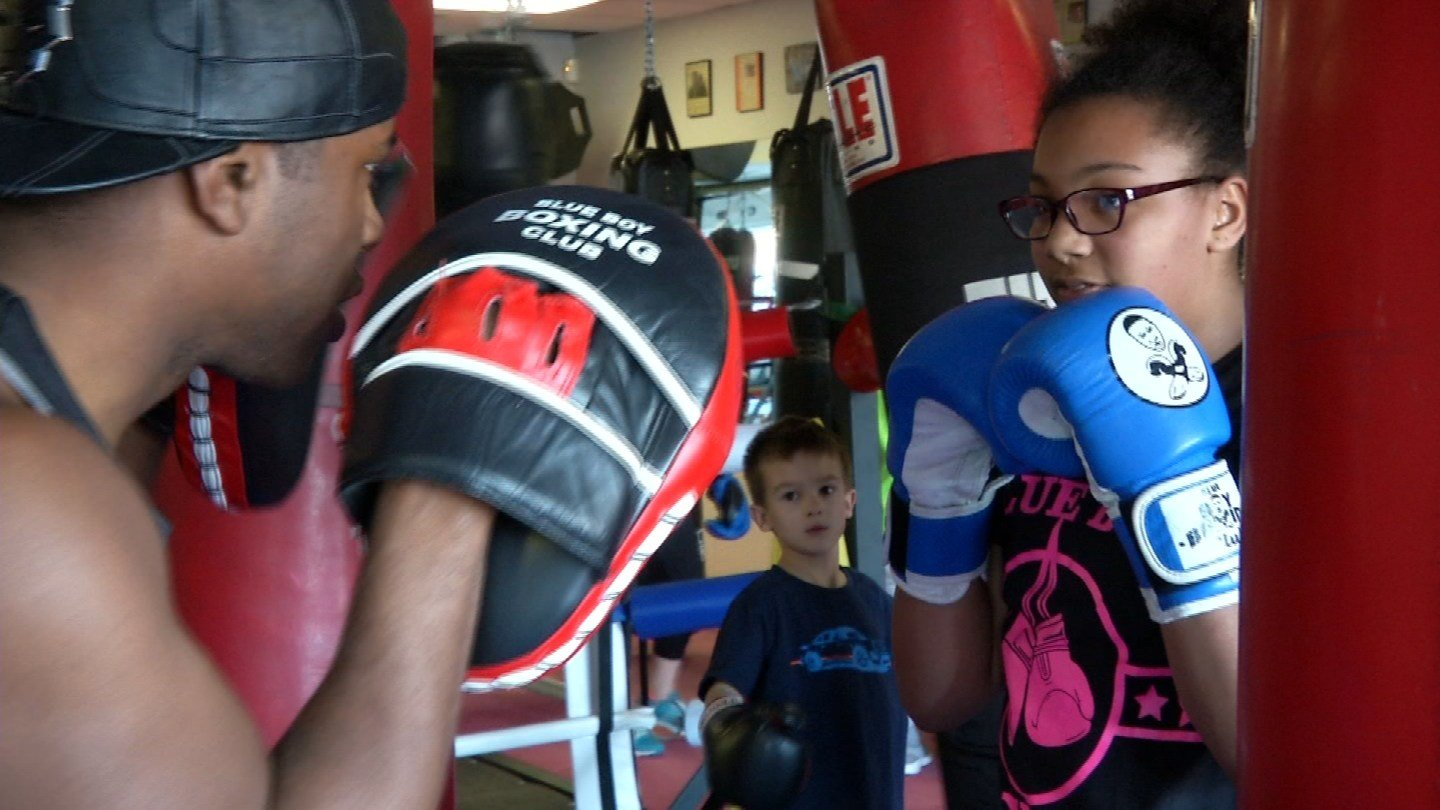 Jalysa Smith uses boxing in Thomaston as a means to deal with years of bullying. (WFSB)