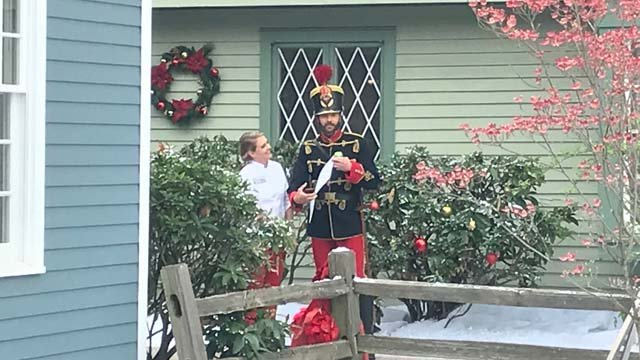 Melissa Joan Hart and Barry Watson spotted in Olde Mistick Village on Monday (WFSB)