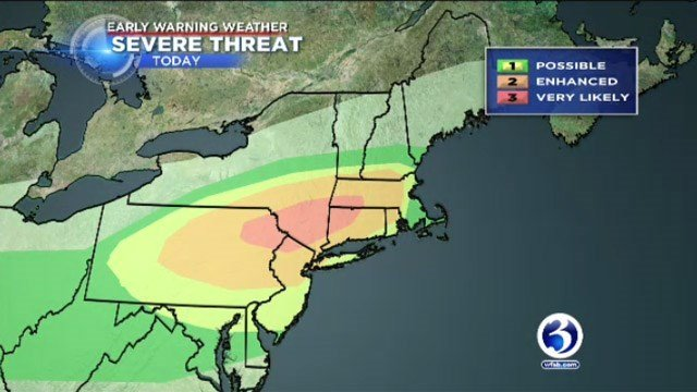 Powerful Northeast Storms Kill Two, Snarl Commutes, Knock Out Power to Thousands