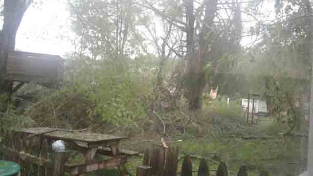 Heavy damage was reported in Brookfield (@missyslaymaker)