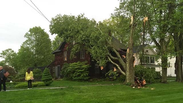Eversource asked for patience as its crews worked to restore power in Brookfield and other towns following Tuesday's storms. (Eversource)