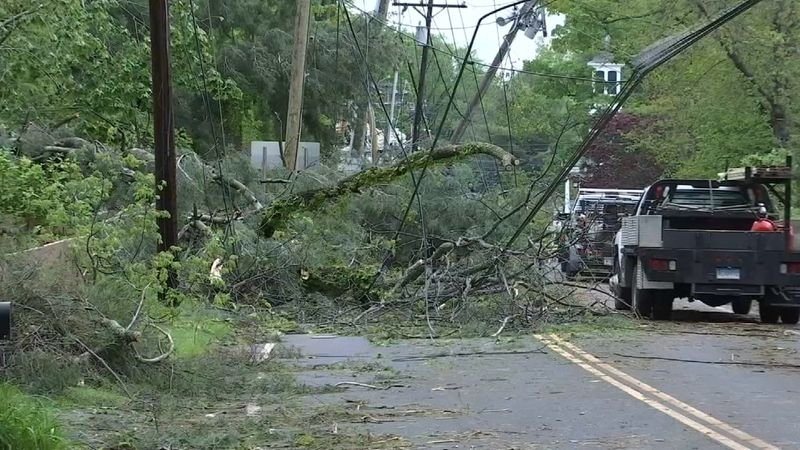 An EF1 tornado caused severe damage in several towns (WFSB)