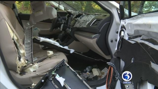 Video: Woman's 911 calls about bear stuck inside car released