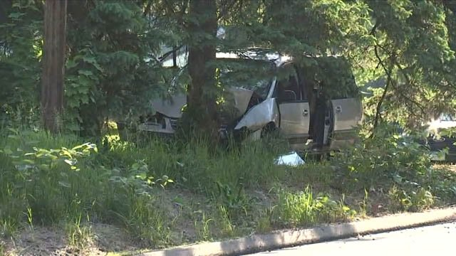 A van hit a tree on Meriden Waterbury Turnpike Friday afternoon (WFSB)