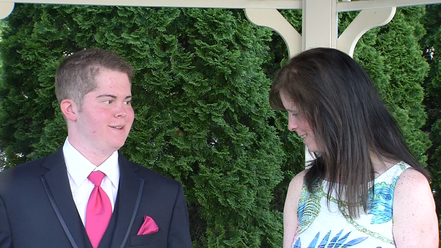 VIDEO: Special prom night for sick teen