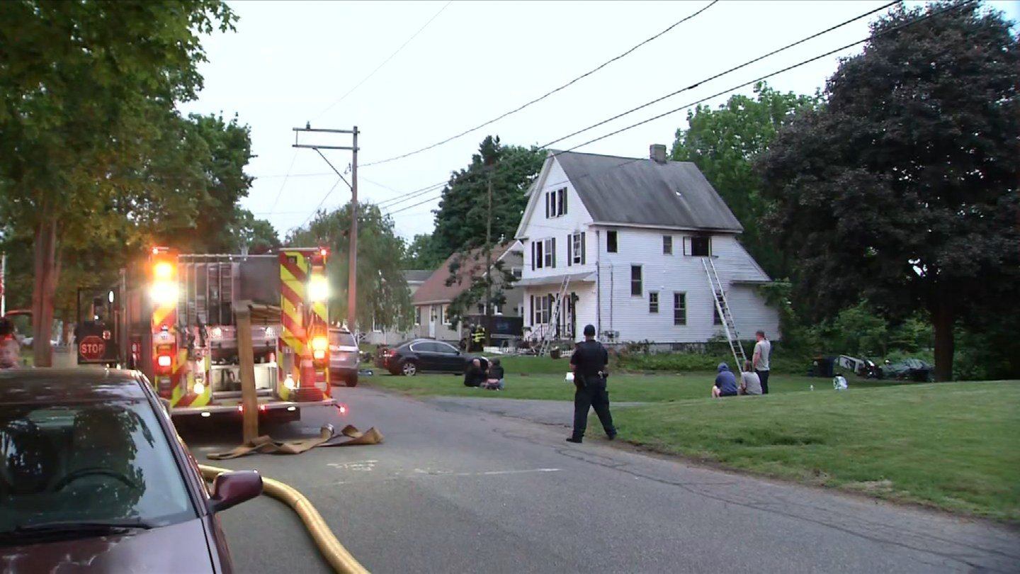 A fire broke out on Columbus Avenue in Meriden on Tuesday morning. (WFSB)