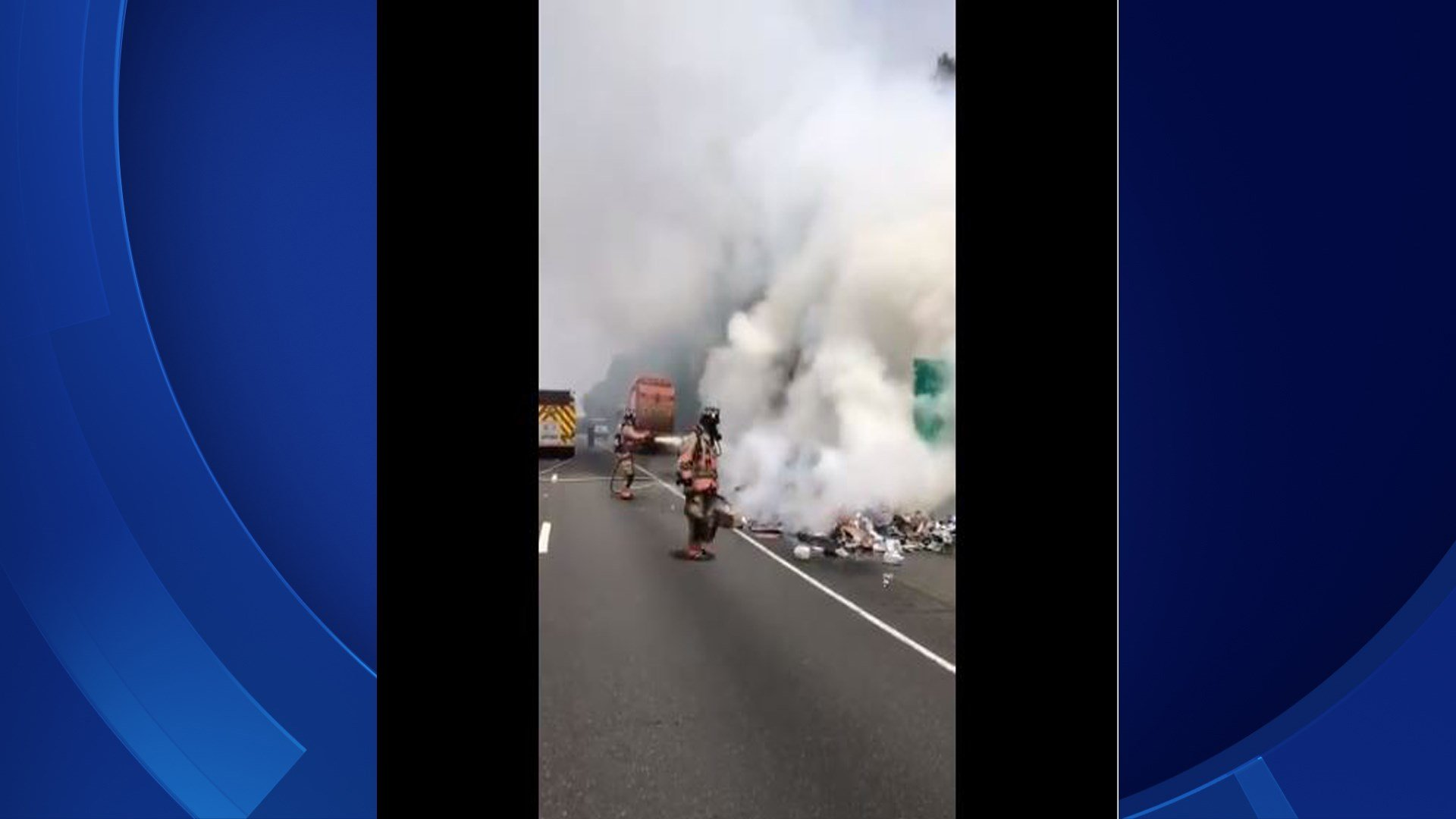 A garbage truck fire was reported on I-91 in Wallingford (@CT_STATE_POLICE)