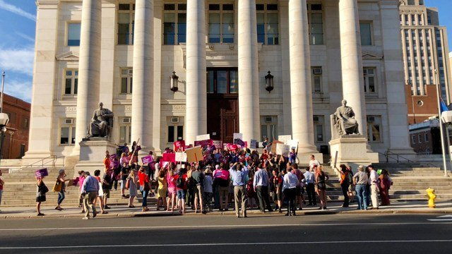 Protesters stood at the New Haven courthouse in opposition to the Supreme Court nominee (WFSB)