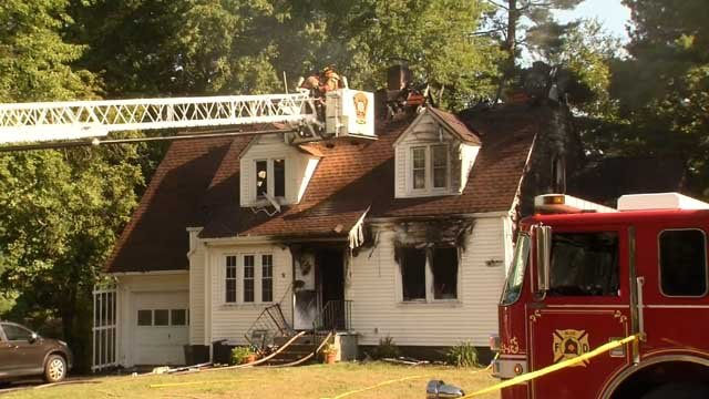Crews were called to a house fire in Bloomfield on Thursday morning. (WFSB)