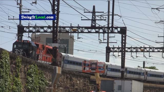 Three people were injured after two trains bumped into each other in Bridgeport (DoingItLocal)