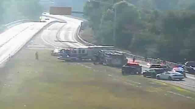 Route 72 is closed in Plainville after a one-car crash (DOT)