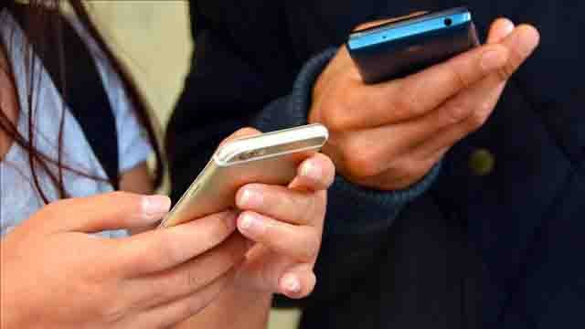 France bans smartphone use in schools during school hours