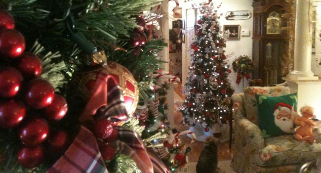 "© Inside of the ""Christmas House"""