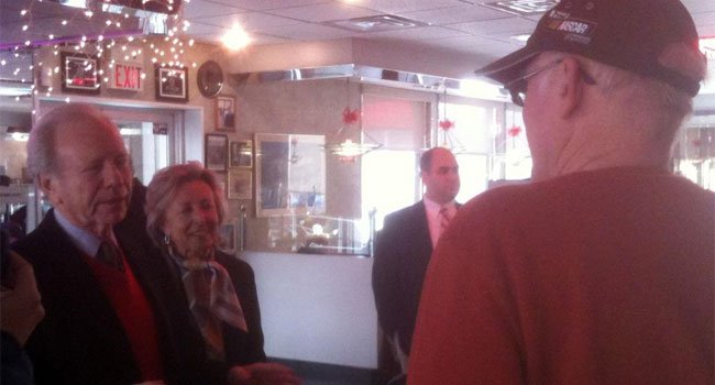 © Sen Joe Lieberman stopping at a number of diners around the state thanking constituents during a farewell tour.