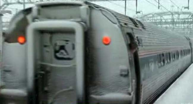 © Metro-North train service resumed Sunday on New Haven Line between Stamford and Grand Central.