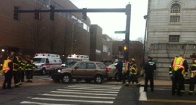 Car Crashes Into Hartford City Hall Wfsb 3 Connecticut