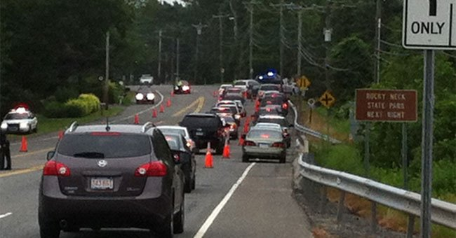 Lines of cars waiting to get into Rocky Neck State Park.
