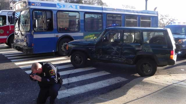 A bus crash in Norwich sent five people to the hospital (Photo credit norwichbulletin.com)