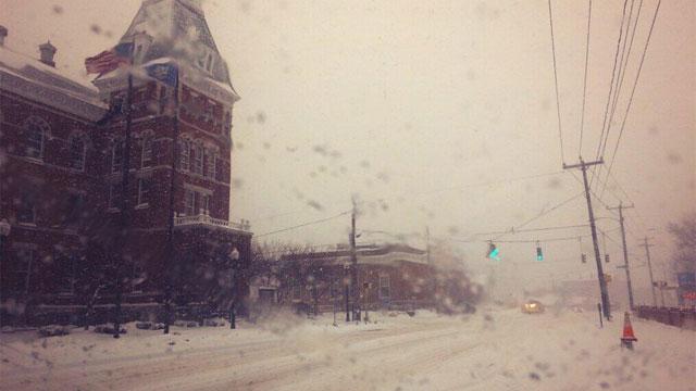 The following photo shows downtown Thomaston.