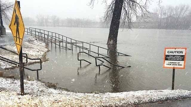 Flooding was becoming an issue in East Hartford. (WFSB photo)