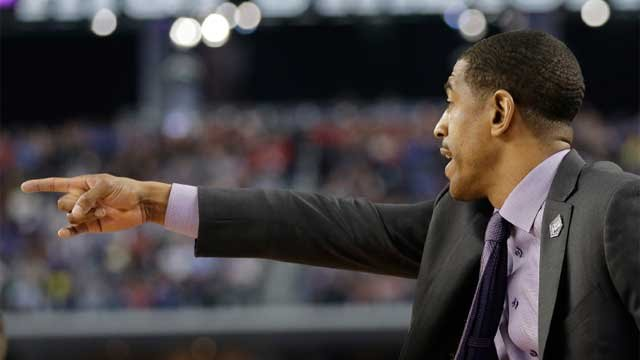 Kevin Ollie during UConn's win over Villanova University (Photo Courtesy: AP Photo)