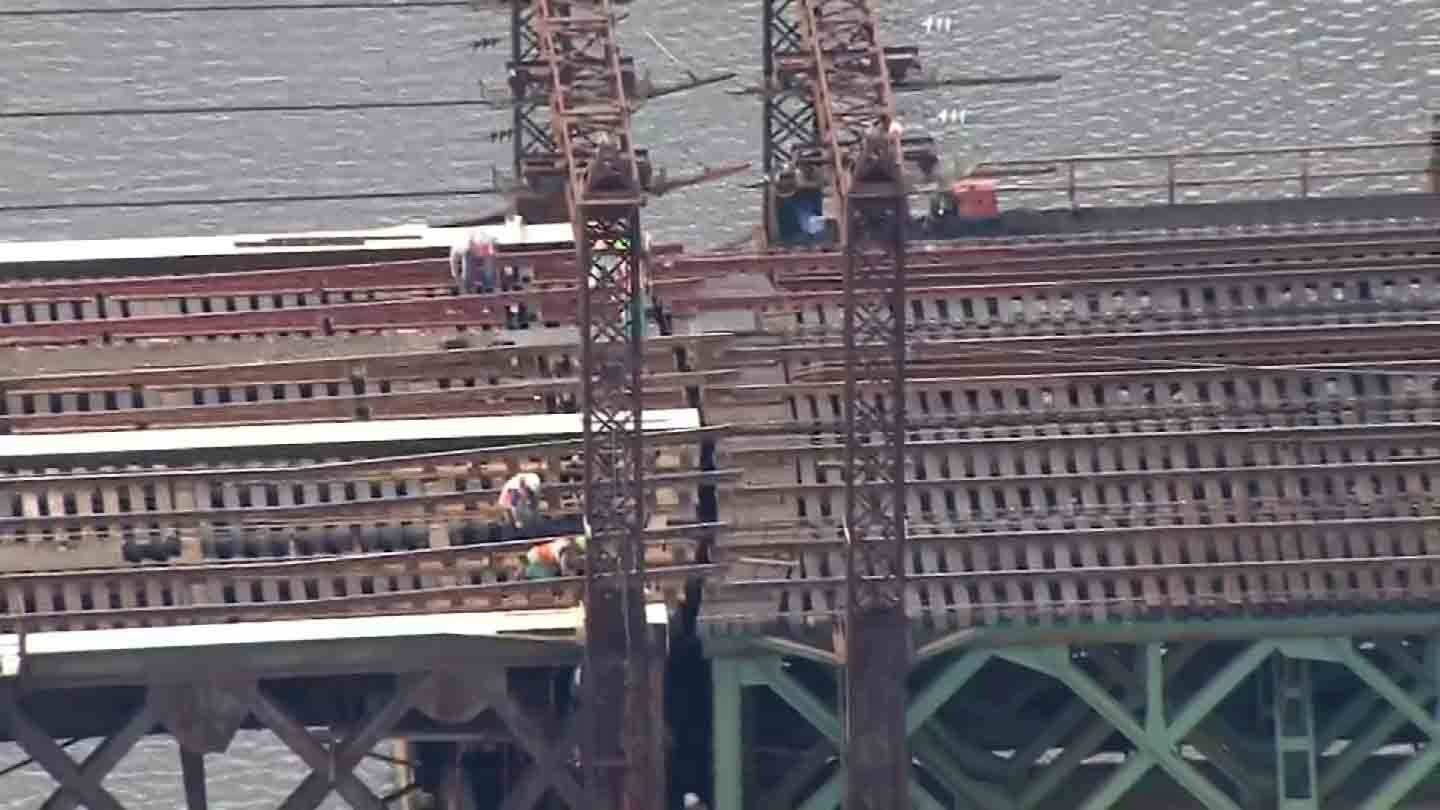 A photo of the walk bridge that failed in South Norwalk on Friday. (CBS photo)