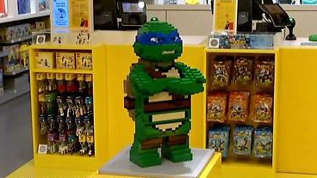 LEGO 'blocks' off sections of Westfarms Mall - WFSB 3 Connecticut